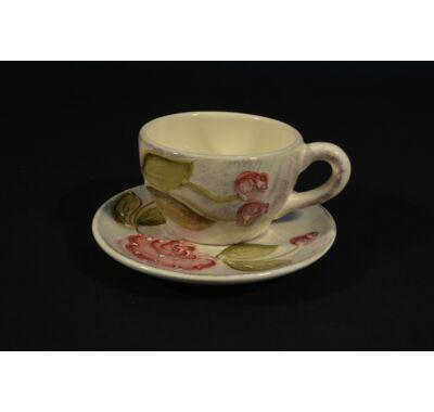 Domború rózsa mintás kávés-teás-cappuccinos kerámia csésze alátéttel