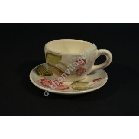 domború rózsa mintás kávés csésze